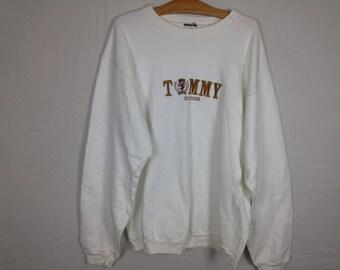 tommy hilfiger sweatshirt size M/L