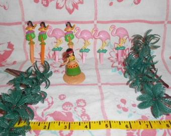 Hawaiian Luau Cake Decorating Set-Mini Hula Girl