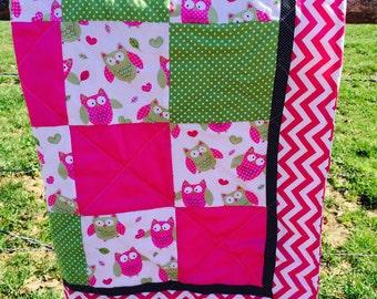Owl Crib Quilt in Pink Chevron
