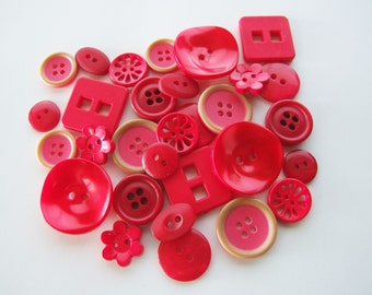 Shades of Strawberry Button Collection [B0817]