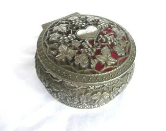 Filigree jewelry box - filigree heart jewellery box - white metal filigree jewelry box - vintage trinket box - mid century  jewellery box