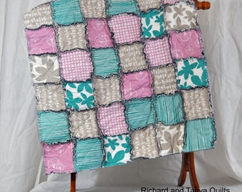 Diagonal Baby Quilt pattern 39 inches by 49 inches from RichardQuilts on Etsy Studio