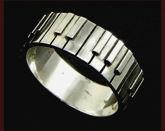 Piano Ring - Pianist  - keyboard player (small) Sterling silver 925