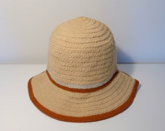 Vintage Wool Cloche Hat Tan Spiral Knit with Brim and Stripes Womans Small Winter Fall Miriam Lefcourt Made in Italy Ladies Accessory