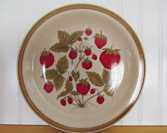 Strawberry Patch Platter Chop Plate Country Living International China Japan