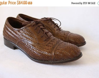 Sale Alfani Woven Leather Oxfords / Leather Oxfords / Vintage Oxfords / Brown Woven Leather Oxfords / Mens 7.5 Womens 9.5