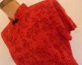 80's Dress Red Cheongsam Style Midi Length Floral Print Design Krinkle Rayon Mandarin Collar Made for Dressbarn Size 10