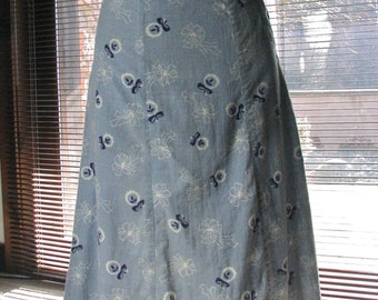 1930s Pale Blue Skirt with Flowers and Bows.....size X-Small / Small