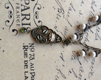 Spring floral pendant with pearls and glass stones