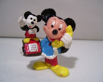 VintageThe Walt Disney Co. Mickey Mouse on Mickey Telephone Pvc Figure, Applause