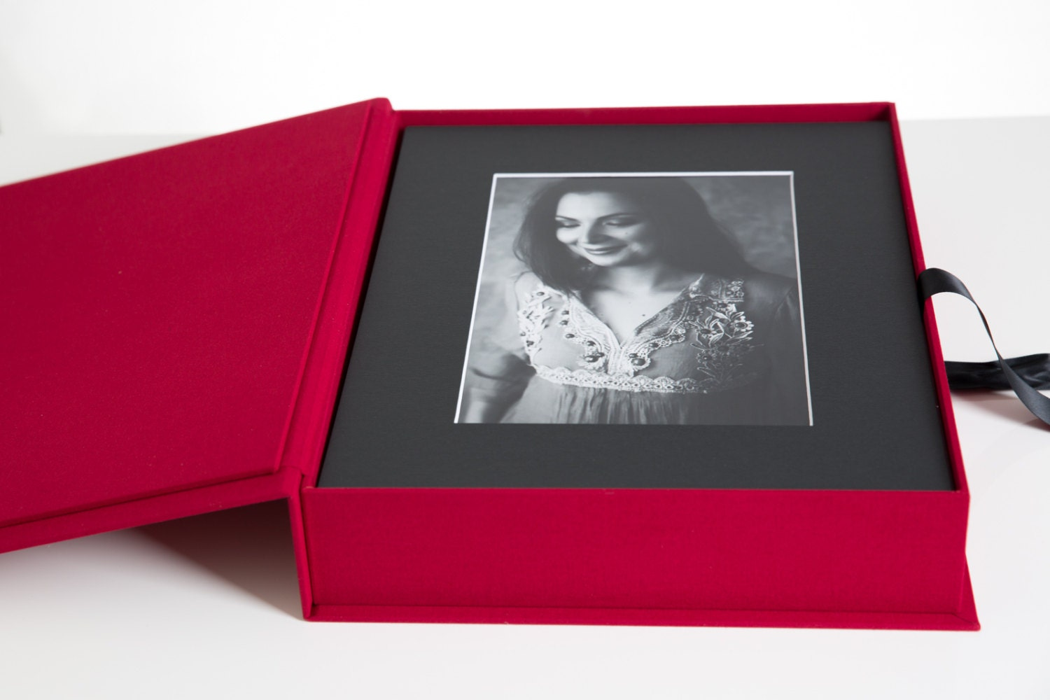 Red 11x14 Folio Box Only No Mats Incl Red Finish With