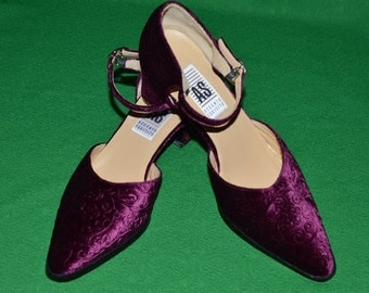 Vintage Shoes by  ACCENTO SQUISITO (AS) Velvet 1990s