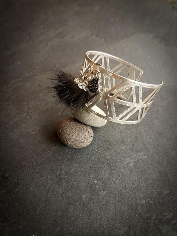 Bracelet  Metallisk II : pompom, triangle, recycled fur, metal ,black