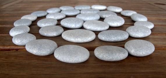 30 medium size flat beach stonesbeach stonesflat round for Flat stones for crafts