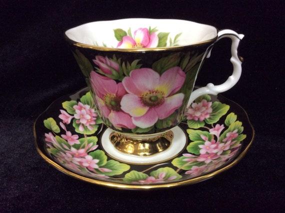 Royal Albert China, Fine Bone China Vintage Tea, Cute Cup and Saucer Set, Roses,  England Teacup