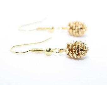 Fall Earrings, Pine Cone Earrings, Gold Pine Cone, Gold Jewellery, Autumn Earrings, Gift for Her, Birthday Gift, Sister Gift, Cute Earrings