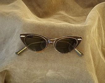 REDUCED from 25 dollars - Vintage Universal Brown Cat Eye Sunglasses 44 width