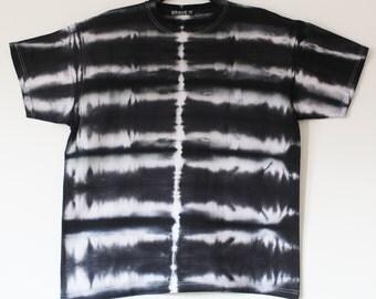 Men's tie dyed t shirt XL