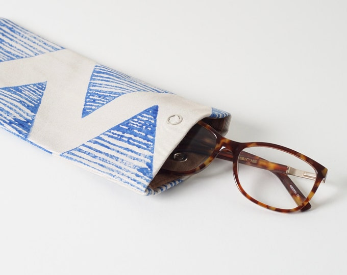 Glasses case - Blue Triangle