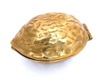 Vintage Brass Walnut Nutcracker, Brass Nutcracker, Brass Walnut Box, Novelty Nutcrackers, Brass Barware, Solid Brass Nutcracker Box