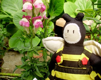 Garden bee, bee Toy, striped toy, fabric bee, nursery soft toy, woodland toy, honey bee, bumble bee toy, bee doll, plush bee, bee gift
