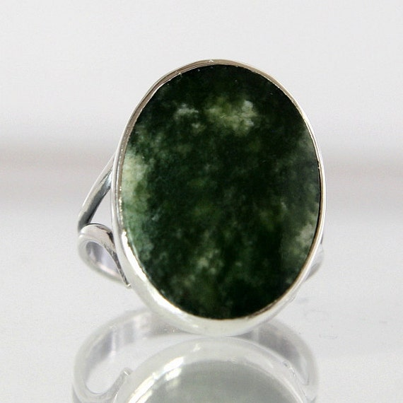 vintage jade ring sterling silver size 4 bezel set with one