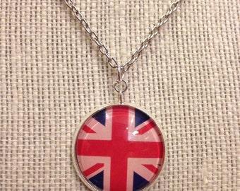 "18"" Silver Union Jack Glass Pendant Necklace"
