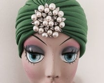 Turban With Pearl Vintage Style Brooch