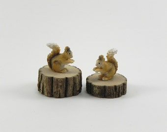 Fairy Garden accessories squirrel on a wood slice - miniature for terrarium - woodland pet ONE