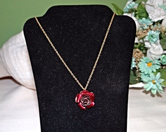 Lovely little red rose choker, 16 inches necklace, metal rose, Vintage, girls gift, girls birthday, gift for her, wife gift