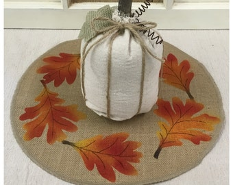 Round Burlap Placemats or overlay sets with a Fall leaf design - Home & Holiday decor,Wedding decor, Housewarming gift, Fall placemats