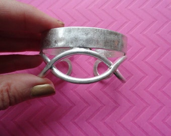 Infinity bow open silver cage cuff bracelet