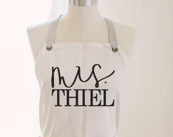 Personalized Apron, Mrs. Apron, present, housewarming gift, kitchen decor