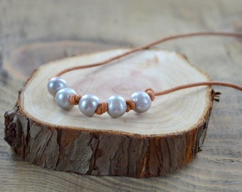 Freshwater Pearl and Leather Necklace- Gray Pearl Necklace- Multiple Pearl Necklace- 5 Pearl Necklace