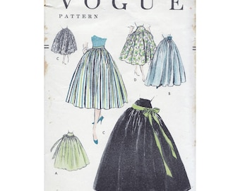 50s Vogue skirt sewing patterns 8644, Waist 28 inches, easy to make, gathered skirt