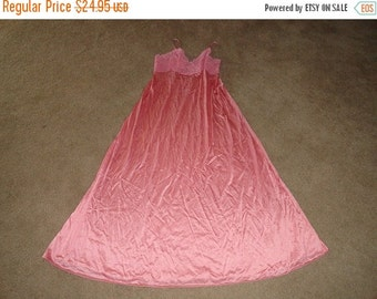 50% OFF Size Small Vanity Fair nightgown pink 36 inch bust 53 inch length