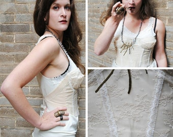 Creamy Lace Bustier