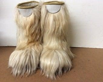 Shaggy fur boots