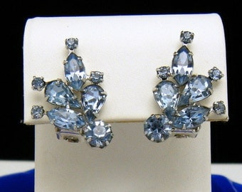 Vintage Weiss Clip On Earrings Icy Light Blue Rhinestones Super Sparkly