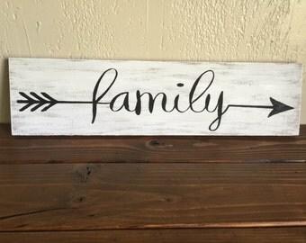 Family sign, Rustic, Distressed, Pallet wood, Barn wood, Vintage, Tribal arrow, Arrows