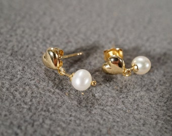 Vintage 14 K Yellow Gold Dangle Pierced Earrings 2 Round Cultured Pearl Puffed Heart Design      #1081