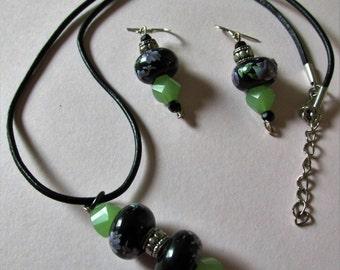 Black & Green Floral Necklace Set