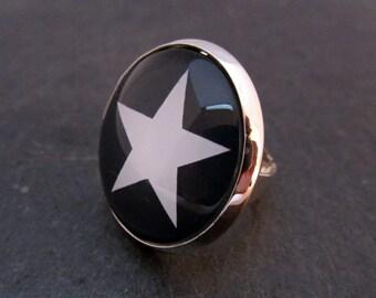 Ring Fingerring Cabochon Star black white handmade Ring