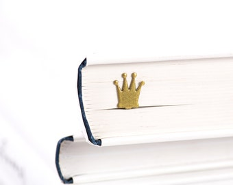 Metal book Bookmark // Golden Crown // unique bookmark design // Stylish unique gift for book lover // Free shipping.