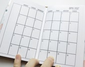 Traveler's Notebook POCKET Size Month on Two Pages MONDAY-SUNDAY {Jan-Dec 2017} #600-01