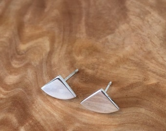 Minimal / geometric silver studs. Modern / contemporary quarter circle earrings
