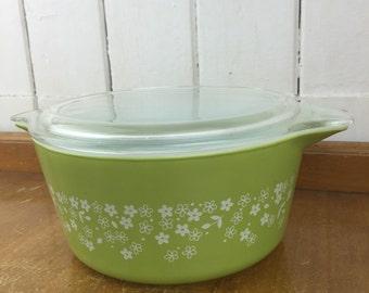 Vintage Pyrex lidded casserole dish, green floral pattern