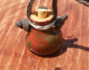 Essential oil diffuser pot necklace - red/green glaze
