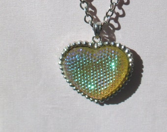 Retro Iridescent Heart Textured Long Necklace