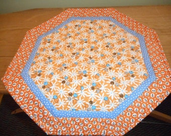 Small Quilt..1930's Hexagon Table Topper